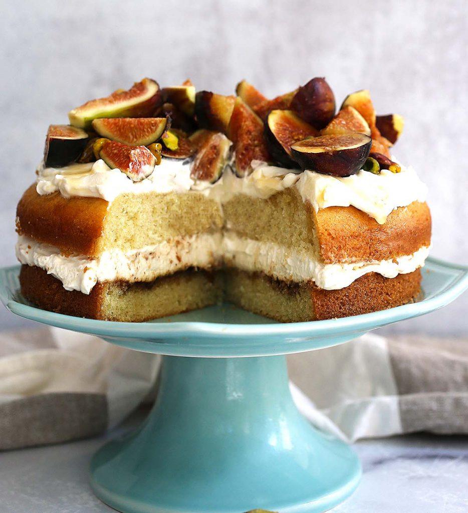 Fig honey and pistachio cake.