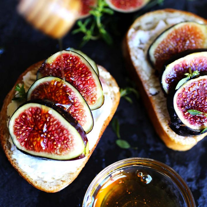 Figs with goat cheese and honey
