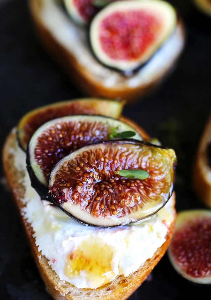 Figs and goat cheese on toast bread