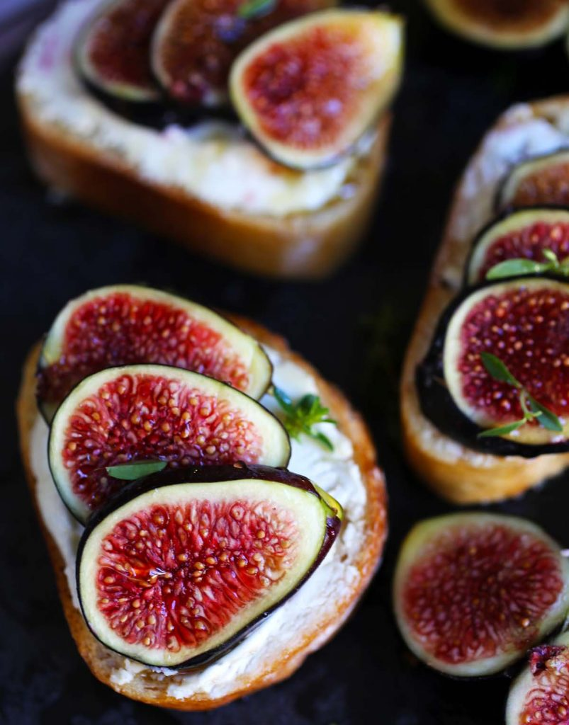 Figs with cheese on baguette bread