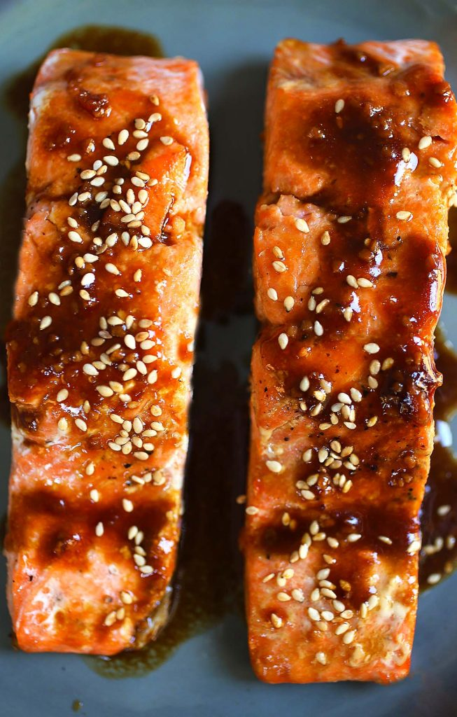 Salmon fillets wit orange and soy sauce.