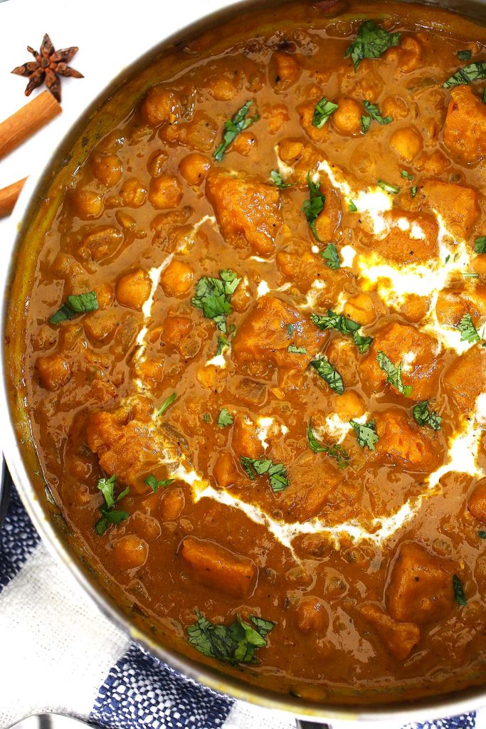 Pumpkin spice curry with chickpeas and coconut cream