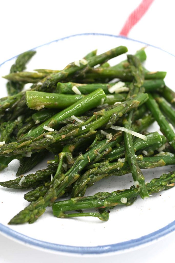 Asparagus in serving plate.
