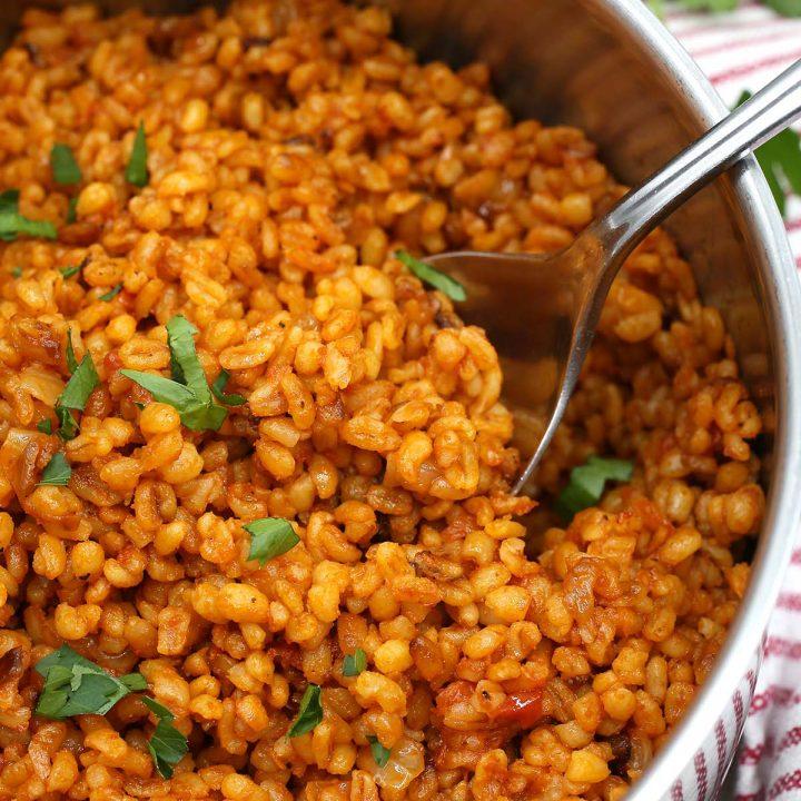 Bulgur tomato pilaf
